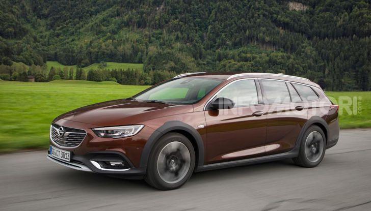 Opel Insigna Country Tourer 2019: rinasce la station wagon tedesca - Foto 4 di 9