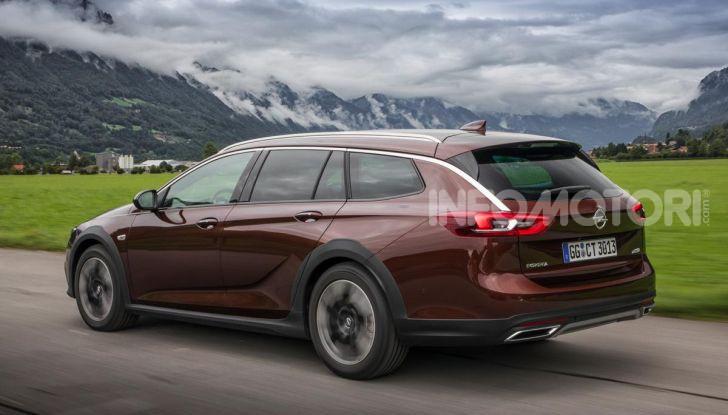 Opel Insigna Country Tourer 2019: rinasce la station wagon tedesca - Foto 5 di 9