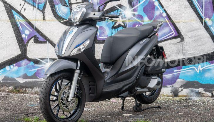 Prova Piaggio Medley 150 SE: commuter urbano Made in Italy - Foto 7 di 47
