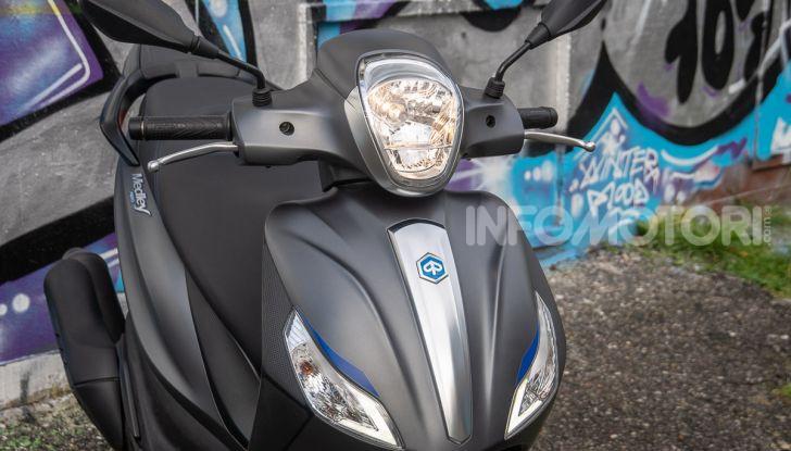 Prova Piaggio Medley 150 SE: commuter urbano Made in Italy - Foto 12 di 47