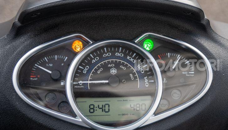 Prova Piaggio Medley 150 SE: commuter urbano Made in Italy - Foto 16 di 47