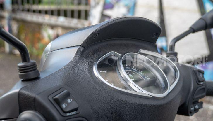 Prova Piaggio Medley 150 SE: commuter urbano Made in Italy - Foto 21 di 47