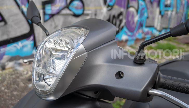Prova Piaggio Medley 150 SE: commuter urbano Made in Italy - Foto 22 di 47