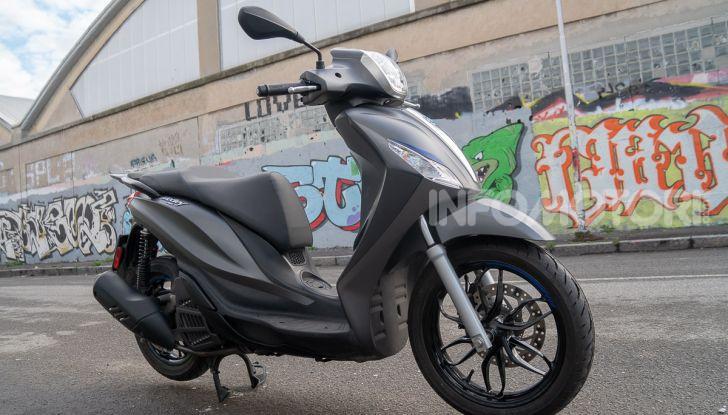 Prova Piaggio Medley 150 SE: commuter urbano Made in Italy - Foto 24 di 47