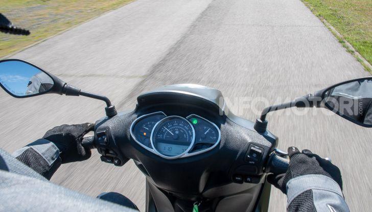 Prova Piaggio Medley 150 SE: commuter urbano Made in Italy - Foto 37 di 47