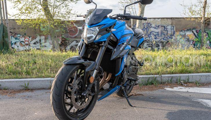 """Prova Suzuki GSX-S750 Yugen Carbon: la Naked """"italiana"""" che arriva dal Giappone - Foto 9 di 42"""