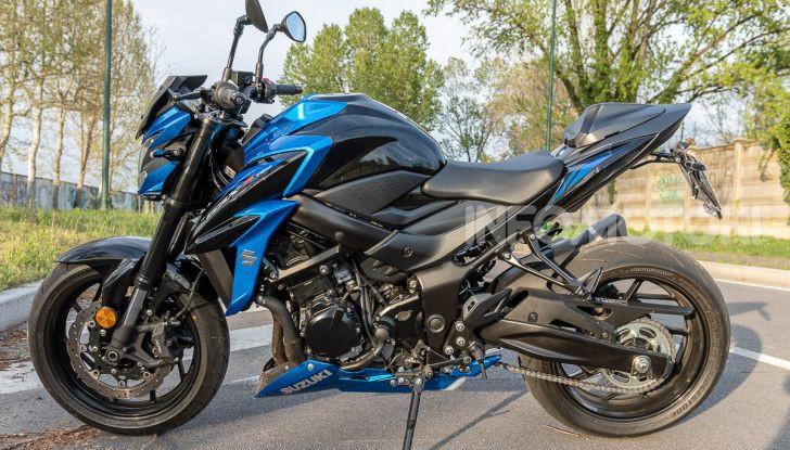 """Prova Suzuki GSX-S750 Yugen Carbon: la Naked """"italiana"""" che arriva dal Giappone - Foto 19 di 42"""