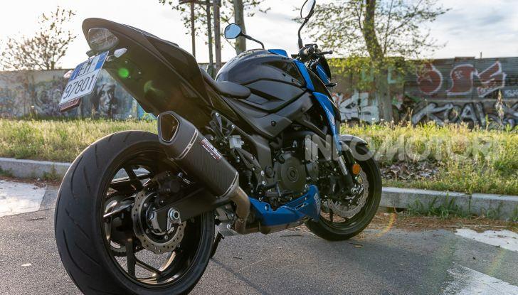 """Prova Suzuki GSX-S750 Yugen Carbon: la Naked """"italiana"""" che arriva dal Giappone - Foto 24 di 42"""