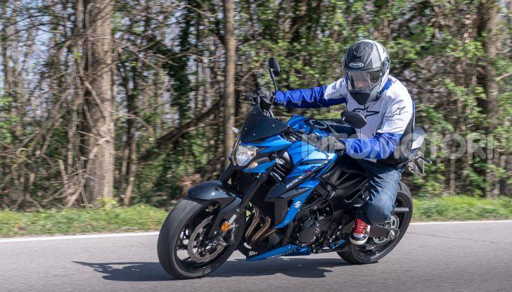 """Prova Suzuki GSX-S750 Yugen Carbon: la Naked """"italiana"""" che arriva dal Giappone - Foto 35 di 42"""