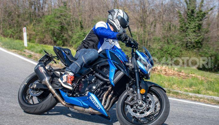 """Prova Suzuki GSX-S750 Yugen Carbon: la Naked """"italiana"""" che arriva dal Giappone - Foto 38 di 42"""