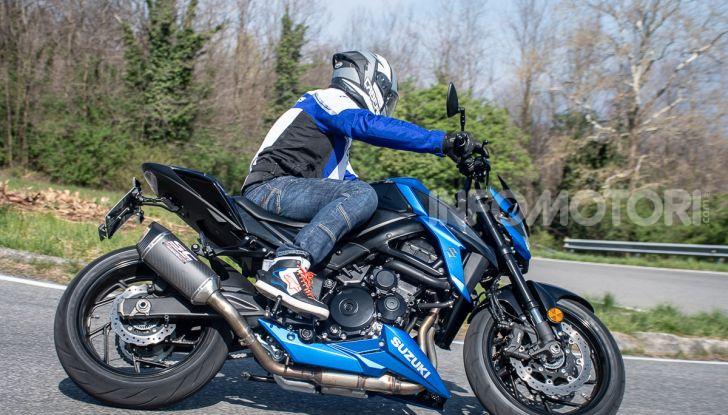 """Prova Suzuki GSX-S750 Yugen Carbon: la Naked """"italiana"""" che arriva dal Giappone - Foto 39 di 42"""