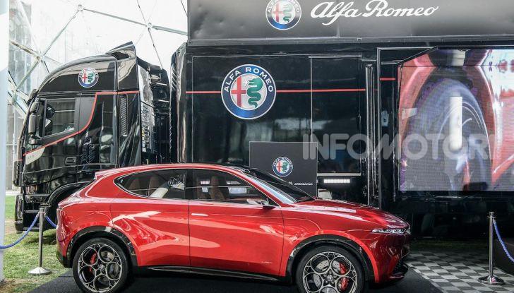 Alfa Romeo Tonale al Salone del Mobile 2019: un'auto come oggetto di design - Foto 2 di 6