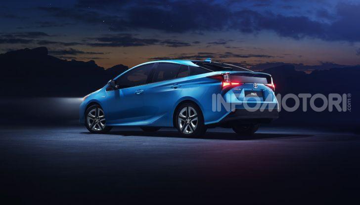 Toyota Prius AWD-i 2019, aperte le vendite - Foto 2 di 4