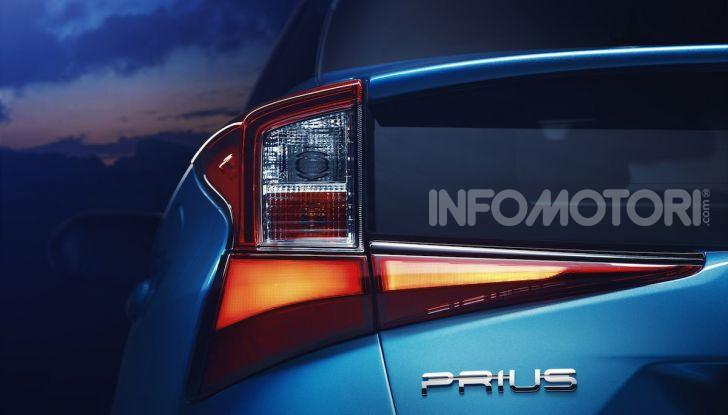 Toyota Prius AWD-i 2019, aperte le vendite - Foto 3 di 4