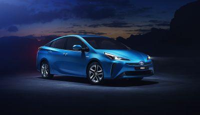 Toyota Prius AWD-i 2019, aperte le vendite