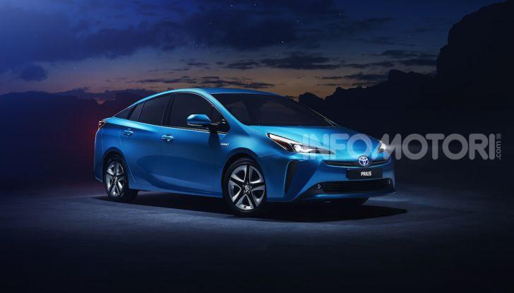 Toyota Prius AWD-i 2019, aperte le vendite - Foto 4 di 4