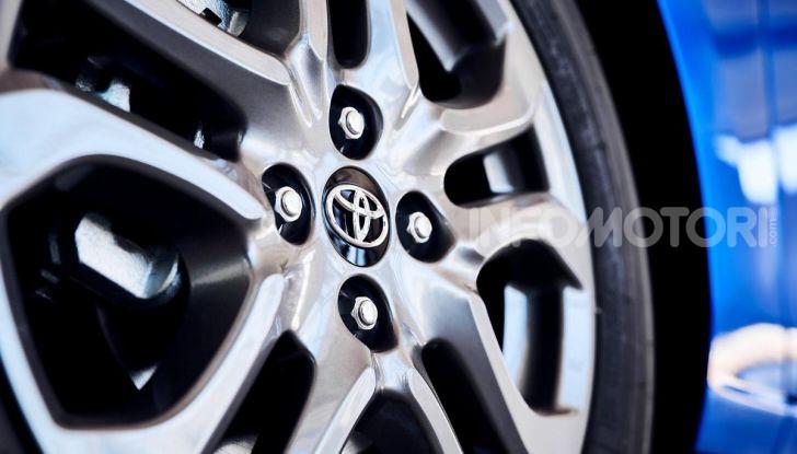 Nuova Toyota Yaris 2020, la versione Hatchback deriva da Mazda2 - Foto 5 di 10