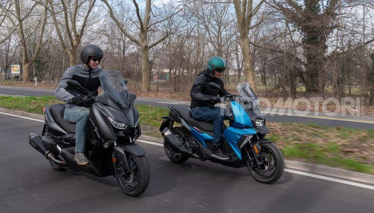 Confronto scooter 400: Bmw C400X e Yamaha XMAX 400 Iron Max - Foto 38 di 48