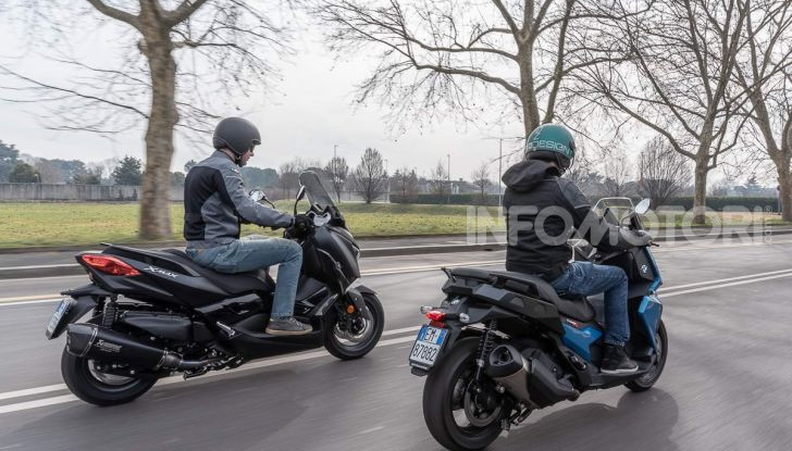 Confronto scooter 400: Bmw C400X e Yamaha XMAX 400 Iron Max - Foto 43 di 48