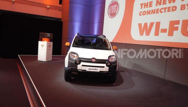 Fiat Panda Connected by Wind, la nuova serie speciale - Foto 3 di 21