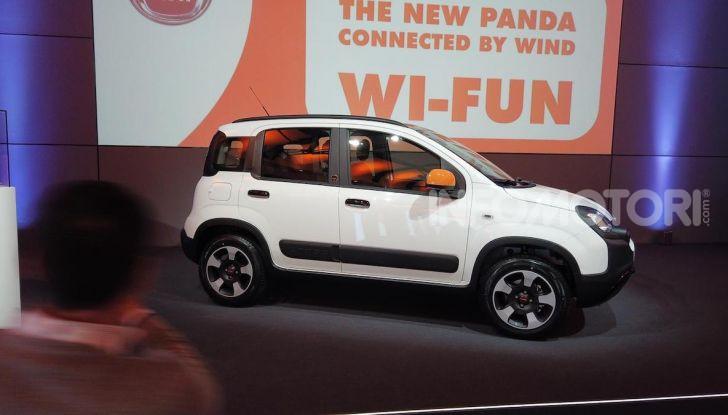 Fiat Panda Connected by Wind, la nuova serie speciale - Foto 1 di 21