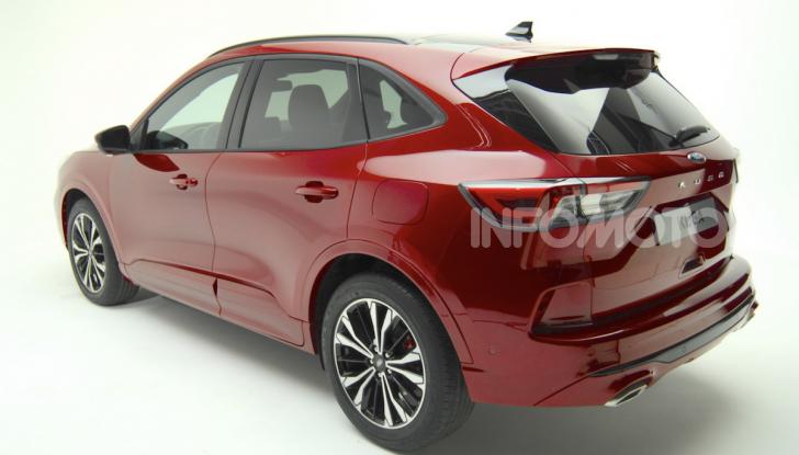 Ford Kuga: la terza generazione è più tecnologica e ibrida - Foto 2 di 11
