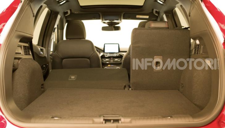 Ford Kuga: la terza generazione è più tecnologica e ibrida - Foto 3 di 11