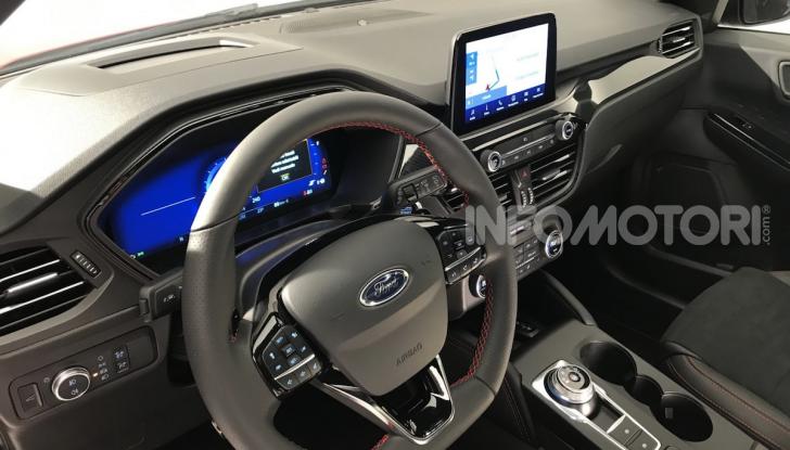 Ford Kuga: la terza generazione è più tecnologica e ibrida - Foto 5 di 11