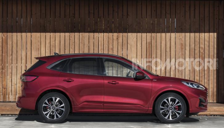 Ford Kuga: la terza generazione è più tecnologica e ibrida - Foto 6 di 11