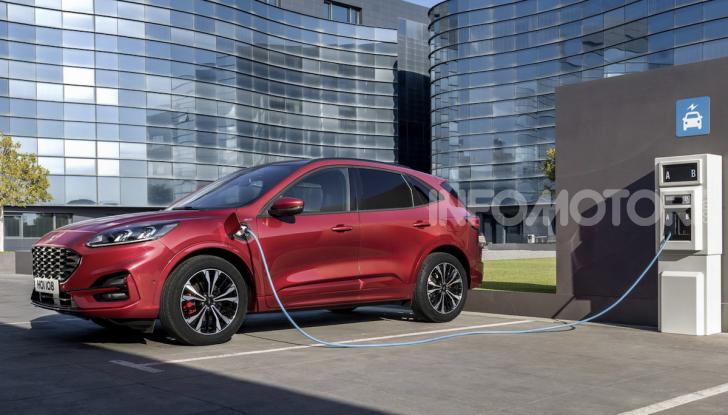 Ford Kuga: la terza generazione è più tecnologica e ibrida - Foto 8 di 11