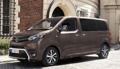 Toyota Proace City: il nuovo minivan debutta sul mercato
