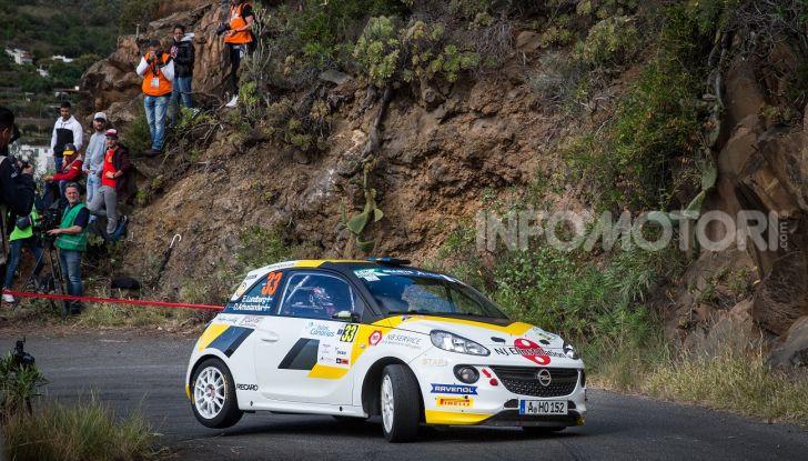 Un'esperienza su asfalto illuminante per l'ADAC Opel Rally Junior Team - Foto 3 di 5