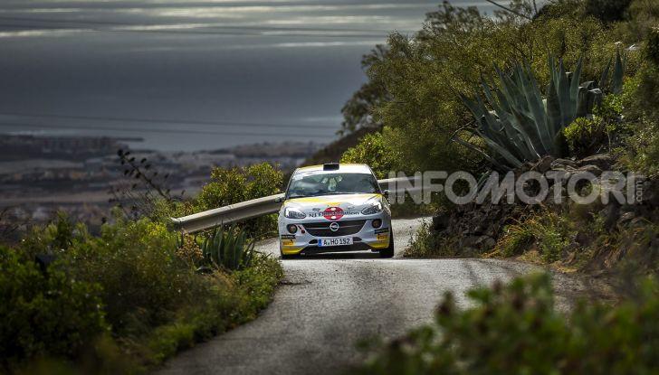 Un'esperienza su asfalto illuminante per l'ADAC Opel Rally Junior Team - Foto 2 di 5