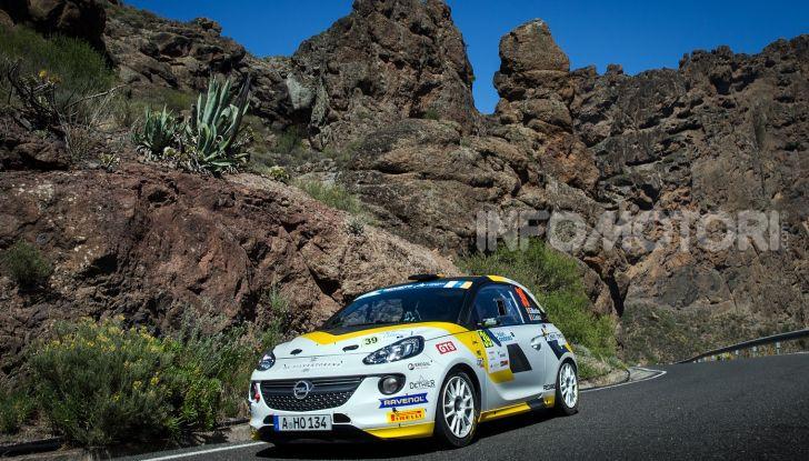 Un'esperienza su asfalto illuminante per l'ADAC Opel Rally Junior Team - Foto 1 di 5