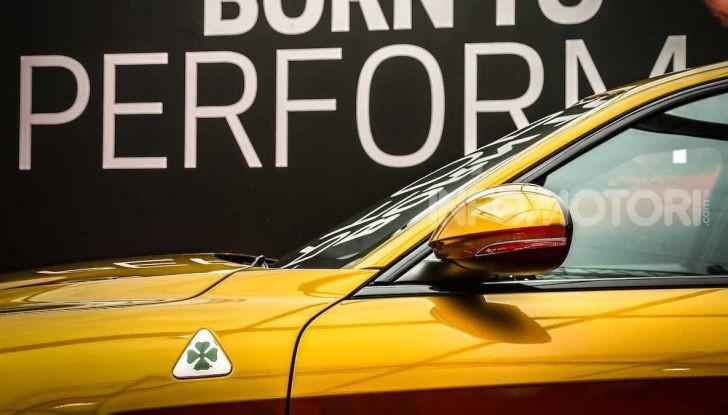 Un'Alfa Romeo Giulia Quadrifoglio d'oro per celebrare la Mille Miglia 2019 - Foto 3 di 8