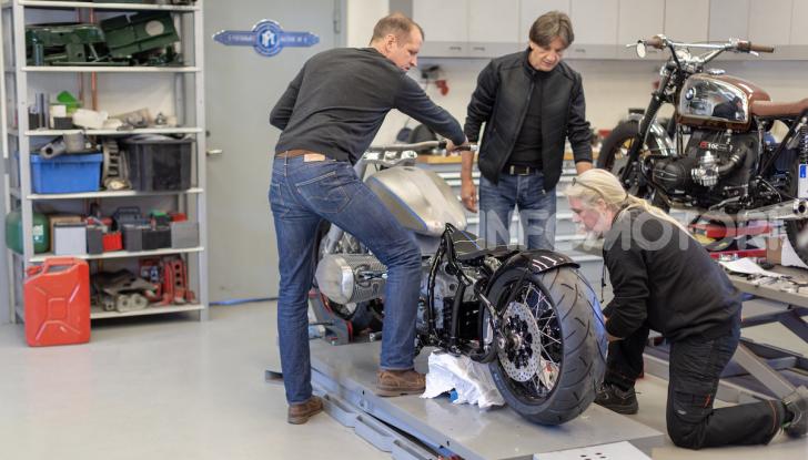 BMW Concept R18: la custom che unisce passato e futuro - Foto 2 di 9