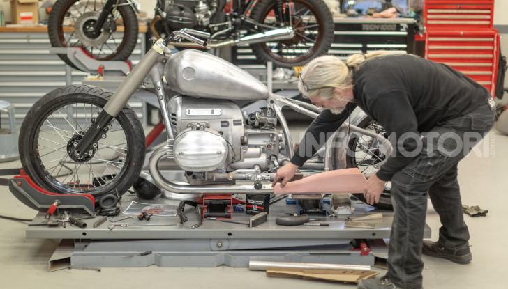 BMW Motorrad Concept R 18: il prototipo custom della casa tedesca ad Eicma 2019 - Foto 7 di 9