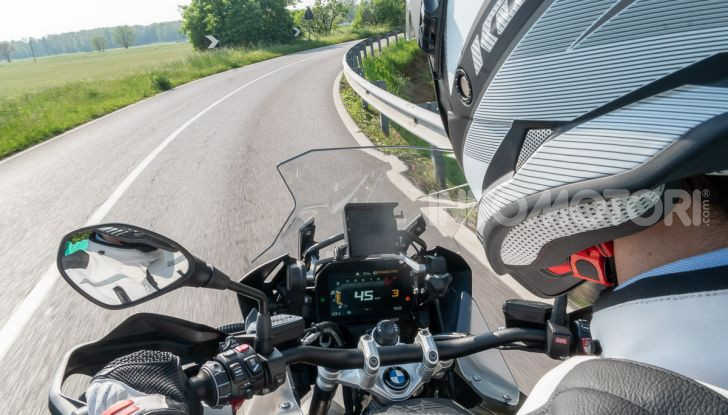 Prova video BMW R1250GS Adventure 2019 – Quanto è cresciuta la regina? - Foto 32 di 37