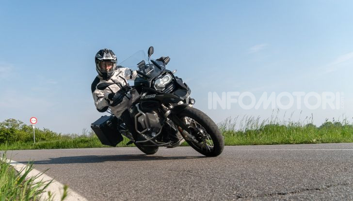Prova video BMW R1250GS Adventure 2019 – Quanto è cresciuta la regina? - Foto 37 di 37