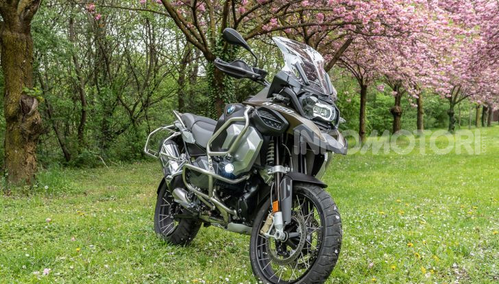 Prova video BMW R1250GS Adventure 2019 – Quanto è cresciuta la regina? - Foto 8 di 37