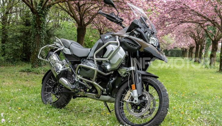 Prova video BMW R1250GS Adventure 2019 – Quanto è cresciuta la regina? - Foto 9 di 37