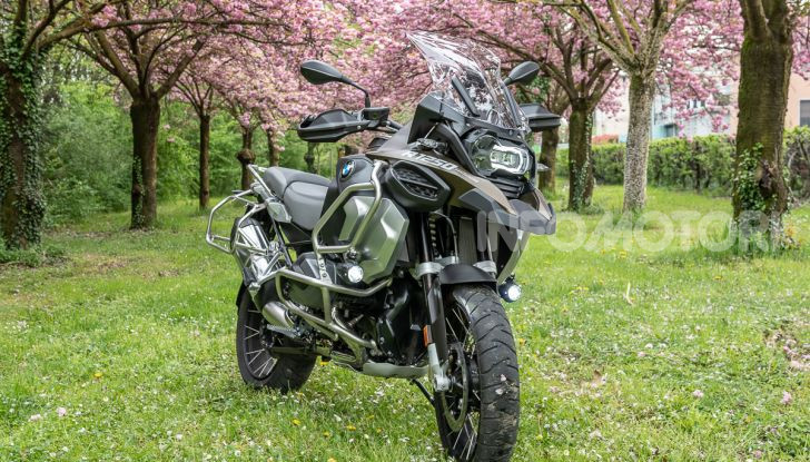 Prova video BMW R1250GS Adventure 2019 – Quanto è cresciuta la regina? - Foto 10 di 37