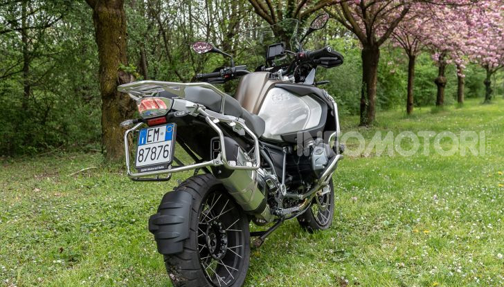 Prova video BMW R1250GS Adventure 2019 – Quanto è cresciuta la regina? - Foto 19 di 37