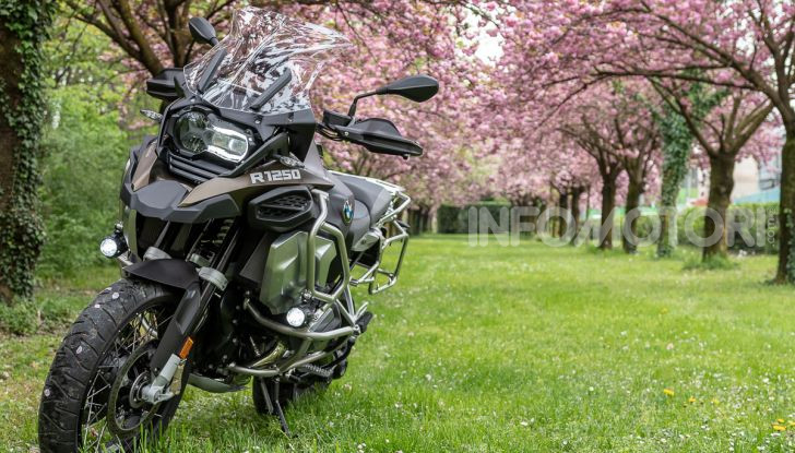 Prova video BMW R1250GS Adventure 2019 – Quanto è cresciuta la regina? - Foto 23 di 37