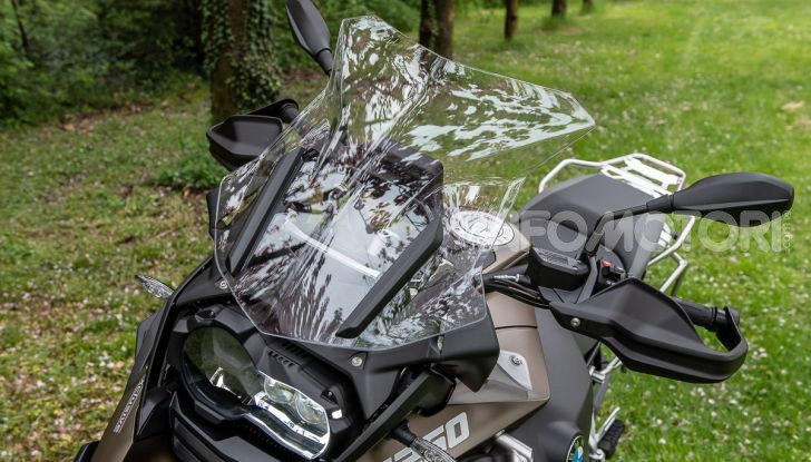 Prova video BMW R1250GS Adventure 2019 – Quanto è cresciuta la regina? - Foto 24 di 37