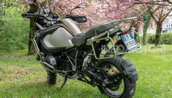 Prova video BMW R1250GS Adventure 2019 – Quanto è cresciuta la regina? - Foto 30 di 37