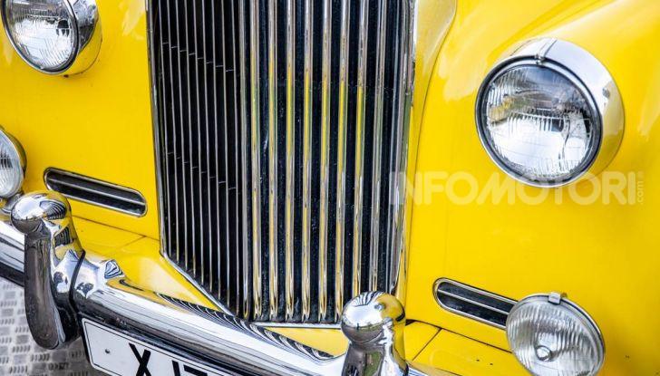 Bentley, non solo SUV: ecco il pick-up di lusso - Foto 14 di 23