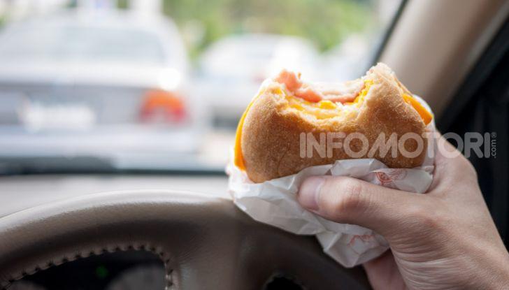"""Burger King lancia le consegne a chi è bloccato nel traffico con """"Traffic Jam Whopper"""" - Foto 11 di 12"""