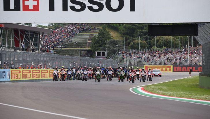 SBK 2019 GP d'Italia: a Imola Jonathan Rea rompe il dominio di Bautista e della Ducati - Foto 16 di 35