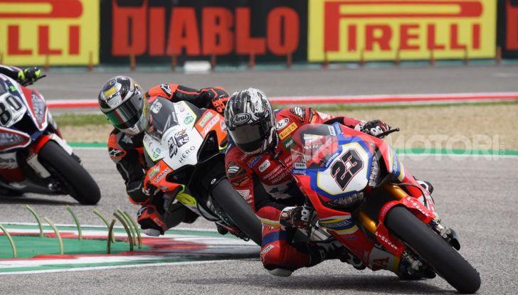 SBK 2019 GP d'Italia: a Imola Jonathan Rea rompe il dominio di Bautista e della Ducati - Foto 15 di 35